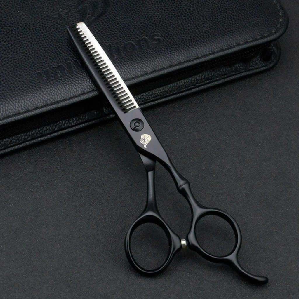 5.5 Black Hairdressing Scissors for Professional Cutting